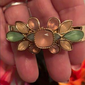 ⭐️Gold Jeweled Flower Hinged Bracelet